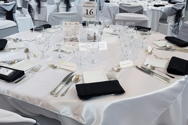 site_0009_table-for-eight